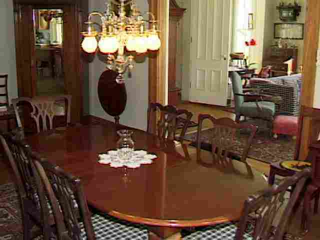 Barney Frank Responds To Woman Comparing Obama to Hitler : DiningRoomTable1 from www.justusboys.com size 640 x 480 jpeg 15kB